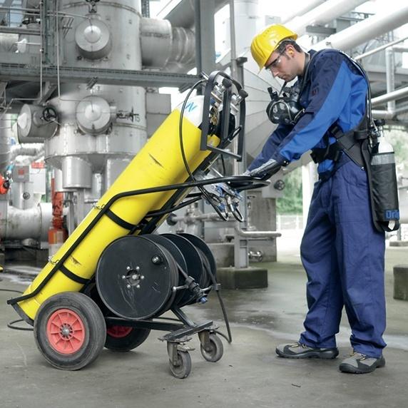 Nicht frei tragbare Isoliergeräte (Druckluft-Schlauchgeräte)
